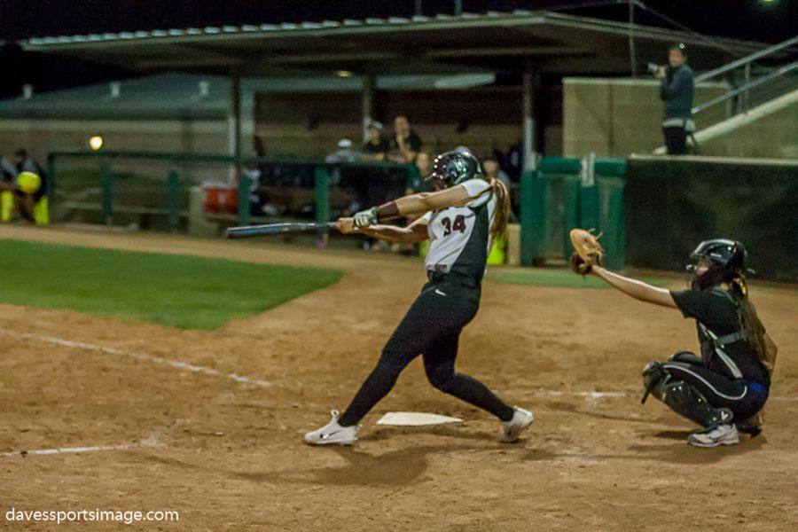 Ciara+Grandao+batting+in+the+home+field+against+Cerritos+College+Feb.+3.+Photo+Credit%3A+Dave+Aguilera%2FDavesportsimage