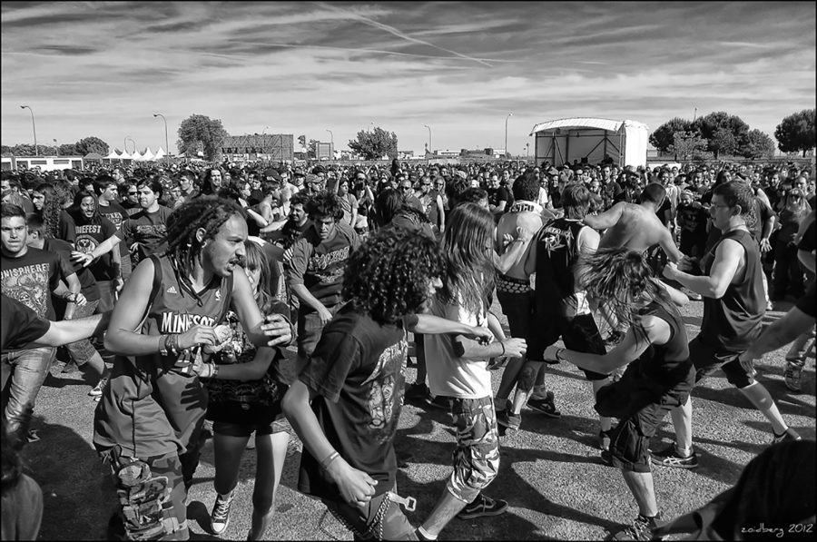 A+mosh+pit.+Photo+Credit%3A+dr_zoidberg+on+Flickr.+https%3A%2F%2Fcreativecommons.org%2Flicenses%2Fby-sa%2F4.0%2Flegalcode