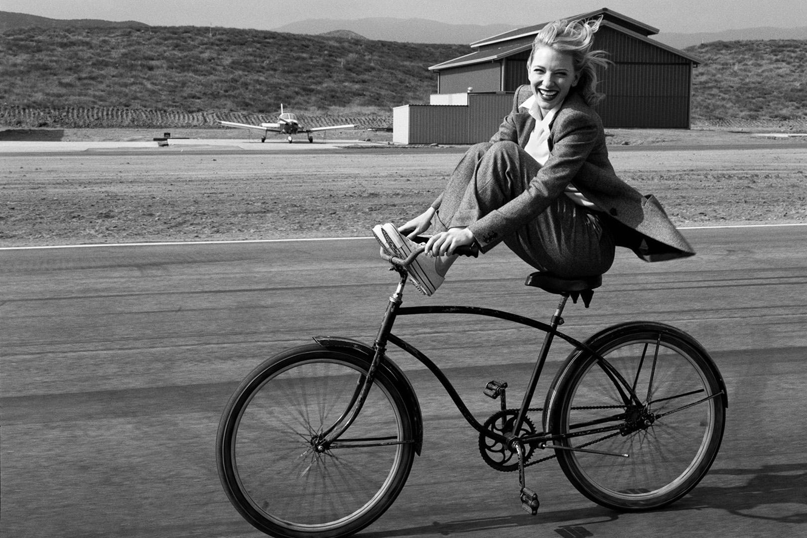 Cate Blanchett. Photographed by Annie Leibovitz, Vogue, Demeber 2004.