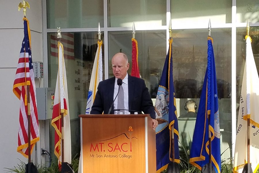 Governor Jerry Brown addresses a crowd at Mt. SAC in front of the Veteran Resource Center on Tuesday, Oct. 17. Photo by Brigette Lugo/Mt. SAC