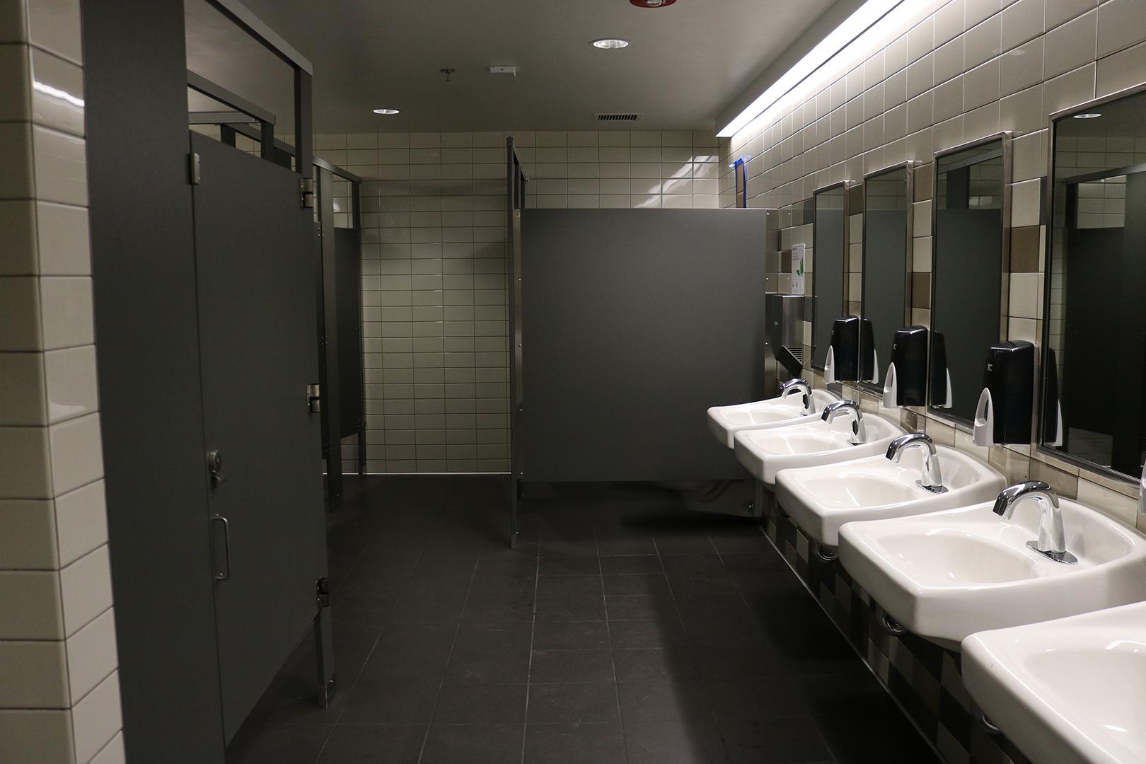 restroom1