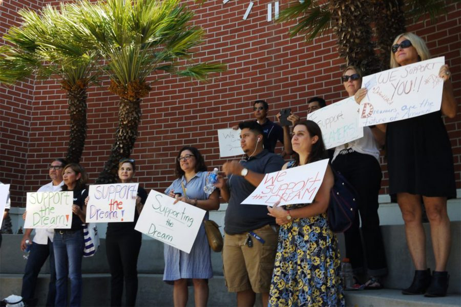 Professors+stand+in+support+of+DACA+students.+Photo+by+Doug+de+Wet%2FSAC+Media.