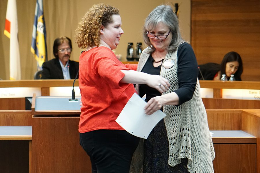 Jessica+Shewmaker+was+sworn+into+city+council+on+Jan.+15+by+her+mother+with+family+in+attendance.+Photo+Credit%3A+Joshua+Sanchez%2FSAC.Media.