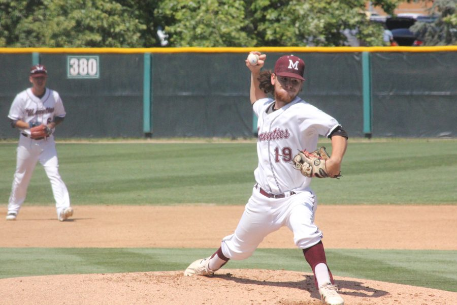 Noah+Woodall%2C+pitcher%2C+%28right%29+and+Jacob+Dominguez%2C+second+baseman%2C+%28left%29+during+their+game+against+the+Santa+Ana+Doms+on+May+3+at+Mazmanian+Field.+Photo+credit%3A+Lauren+Berny%2F+SAC.Media