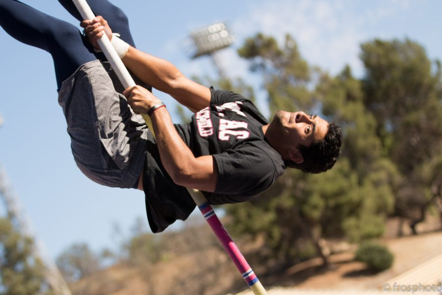 Giovanni Hernandez Velez practicing pole vaulting at the Mt. SAC stadium. Photo by Ferdinand Rosadi/SAConScene.