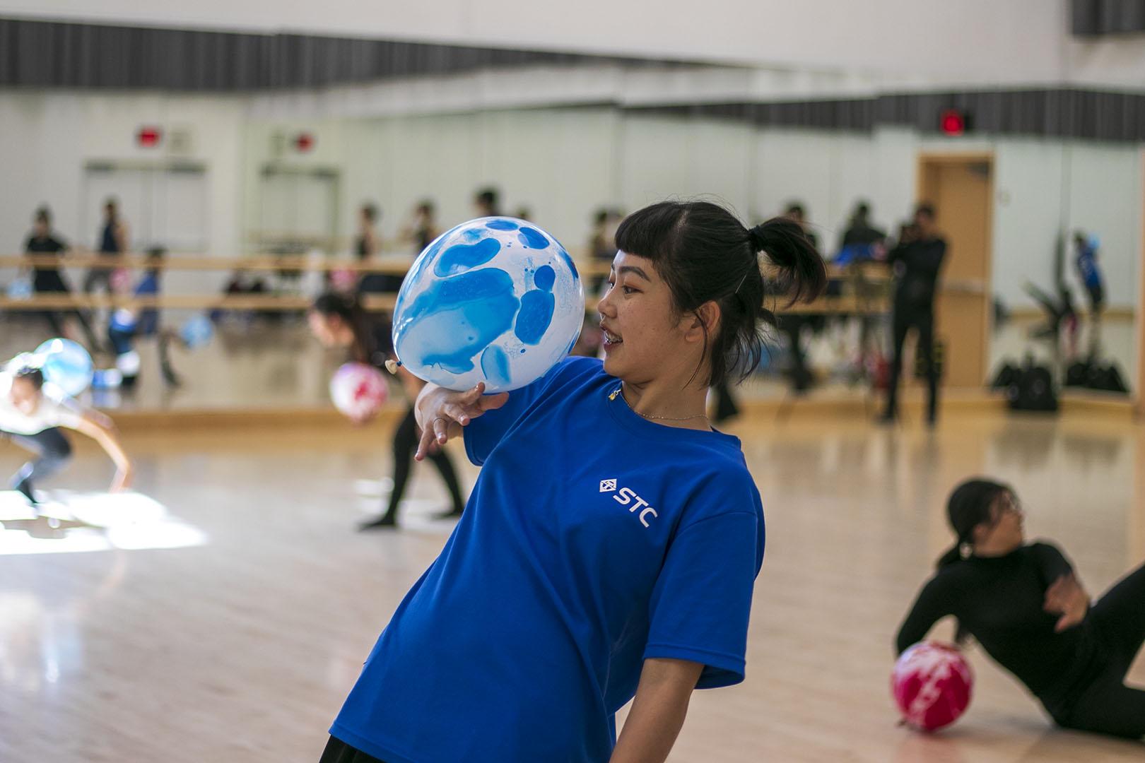 Dance improvisation routine with balloon. Photo Credit: Shannon Carter/SAC.Media