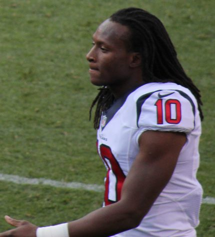 Arizona Cardinals wide receiver DeAndre Hopkins (formerly of the Houston Texans). Photo By Jeffrey Beall - Own work, CC BY 3.0, https://commons.wikimedia.org/w/index.php?curid=34950343