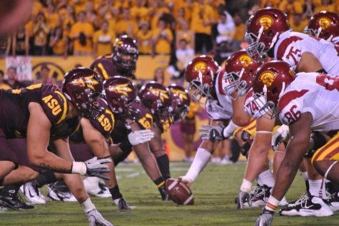 English: USC vs ASU 2011 on 9/24 at Sun Devil Stadium in Tempe, Ariz. Date	24 September 2011 Source	Own work Author	  Google Commons