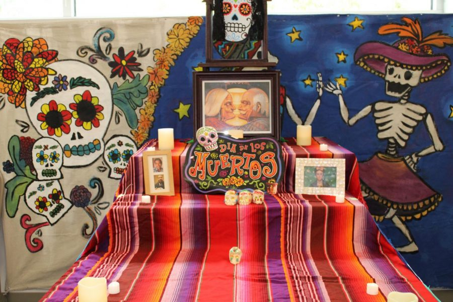 One example of the community ofrendas to honor loved ones that can be found in building 9E.